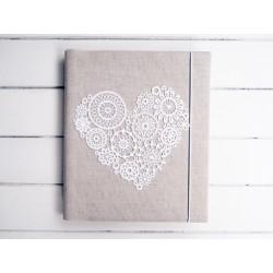 Svadobný fotoalbum so srdcom